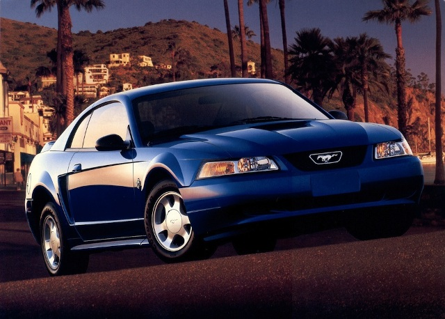 2000 Ford Edge >> 1999-2004 Ford Mustang: The New Edge Style - The Motoring ...