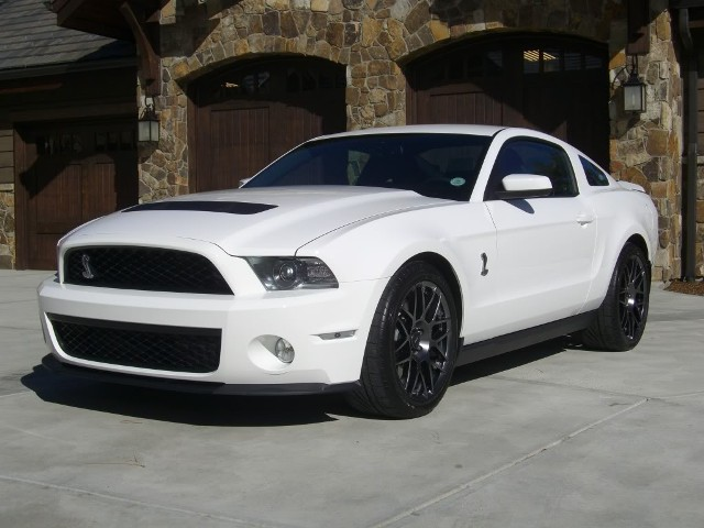 2010 2014 shelby gt500 seemingly limitless performance. Black Bedroom Furniture Sets. Home Design Ideas