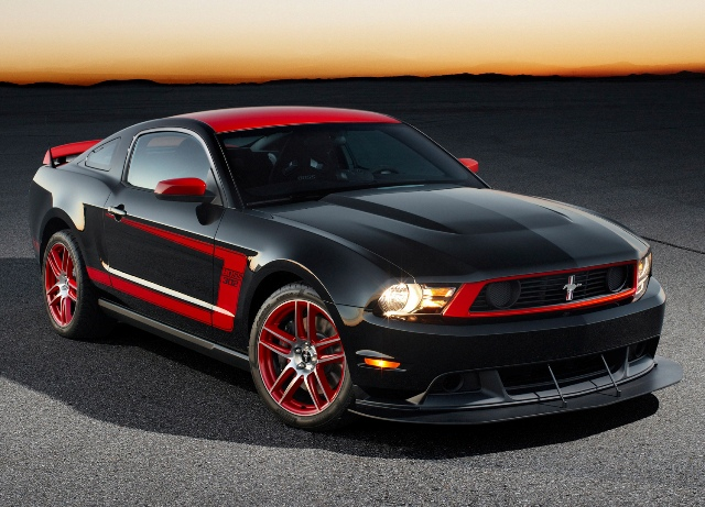 2012-2013 Ford Mustang Boss 302: Power & Poise - The